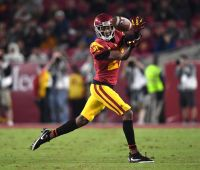 DL Jay Tufele, WR Tyler Vaughns skipping draft to stay at USC
