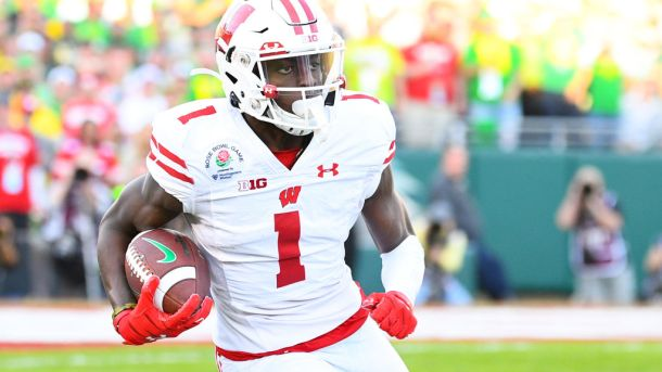 Wisconsin receiver Aron Cruickshank is transferring to Rutgers.